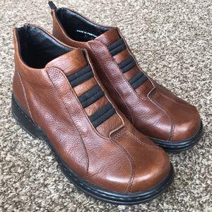 Dansko Leather Shoes 👞